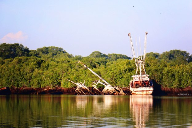 #Barillas_Half-sunken fishing boats