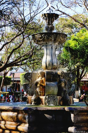 #Antigua_Central Parque fountain2