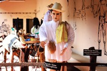 #Leon_Museo puppet1