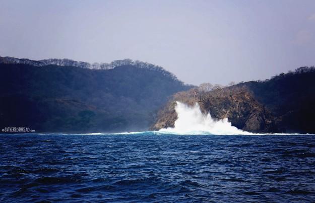 #Playa del Coco to Bahia Ballena_Crashing waves1