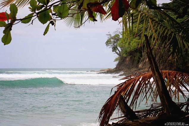 #Manuel Antonio_Breaking waves