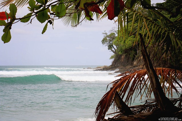 #Manuel Antonio_Breaking waves