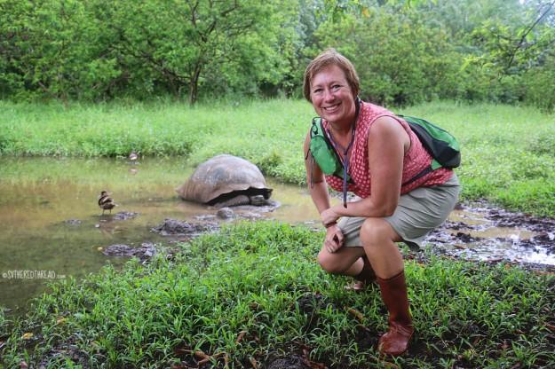 #Isla Santa Cruz_Rancho Primicias_Lori + Tortoise1
