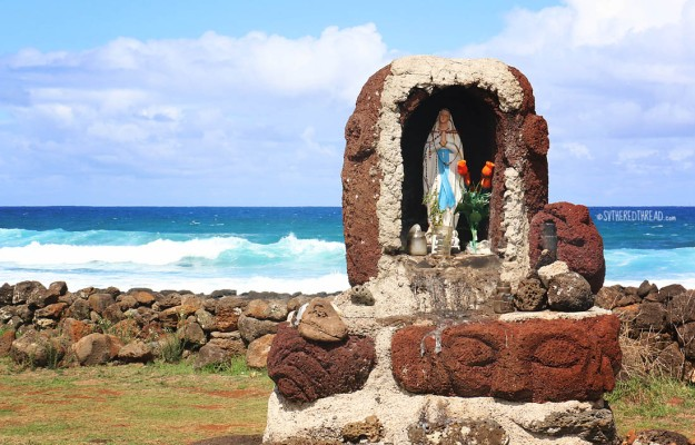 rapa-nui_mother-at-the-sea-break