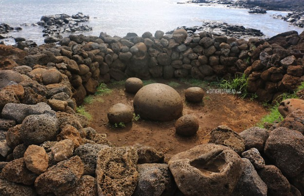 rapa-nui_navel-of-the-world