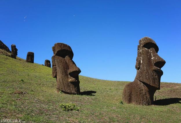rapa-nui_ranu-raraku_moai1