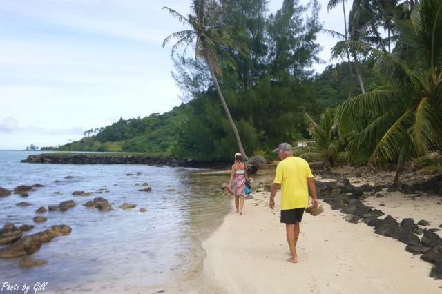 taravai-gambiers_beach-bums